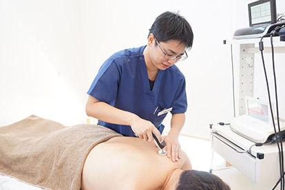 ハイボルテージ療法 当院での施術方法