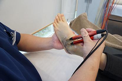 アキュスコープ療法 当院での施術方法